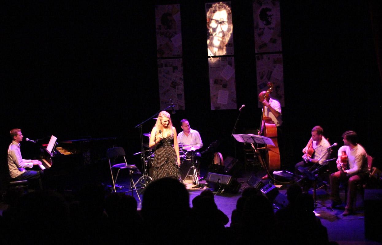 2012-10-25 Daisy Correia canta José Afonso Culemborg