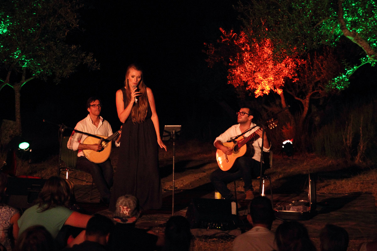 2016-07-24 Estifal da Estrela. Haar twee gitaristen zijn Diogo Passas en Ricardo Dias.