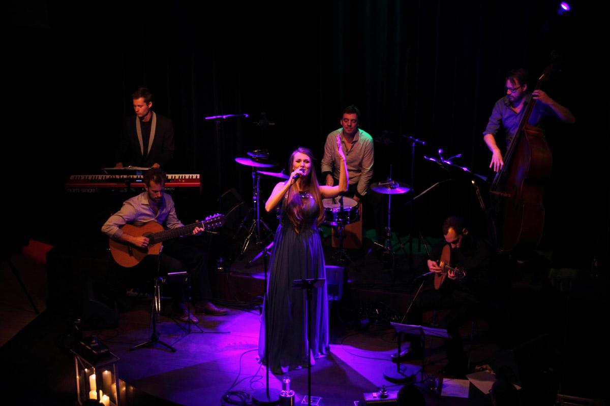 2016-11-13 Album presentatie Uma casa Portuguesa in Club Dauphine in Amsterdam