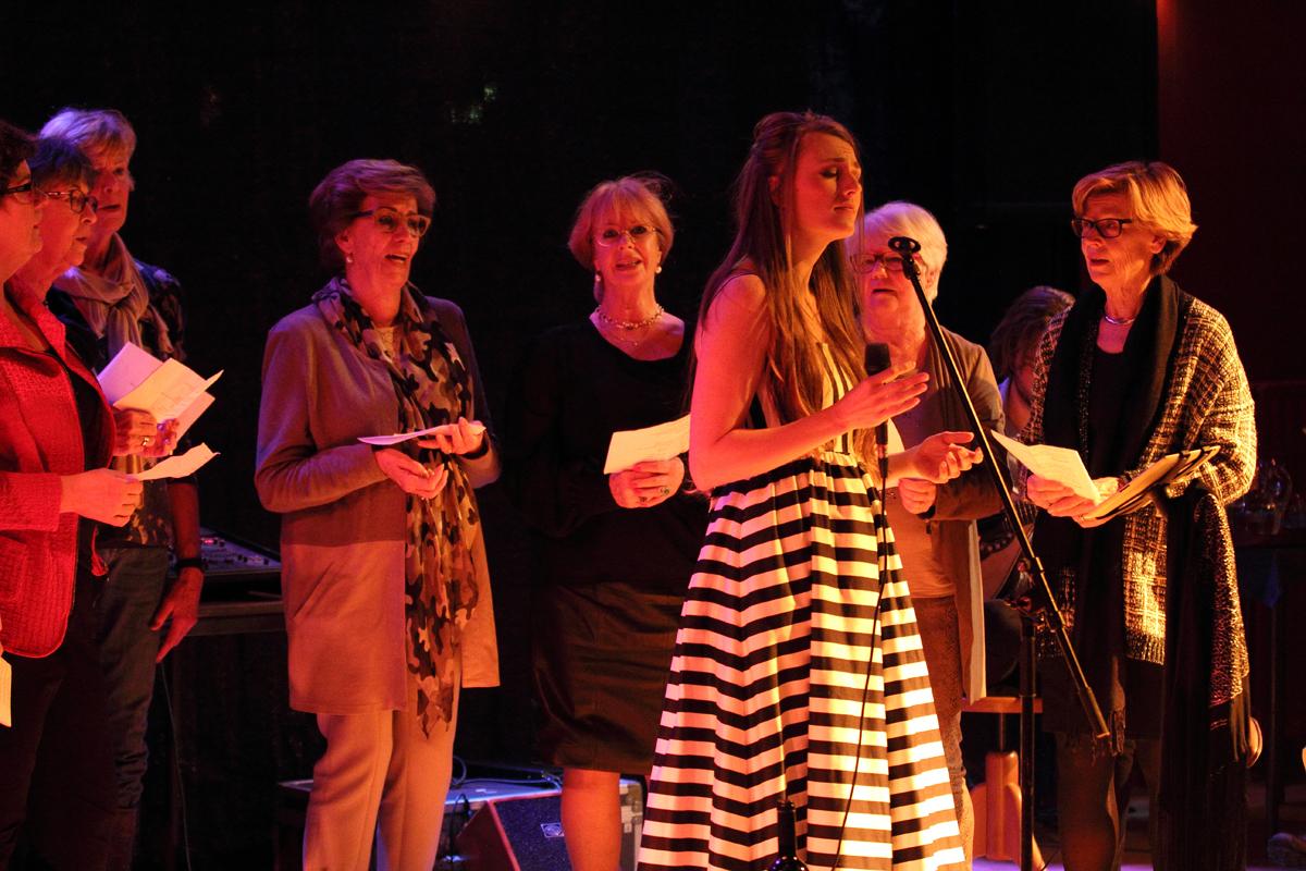 2016-02-28 De Krocht Zandvoort met deelnemers van de workshop tijdens het concert