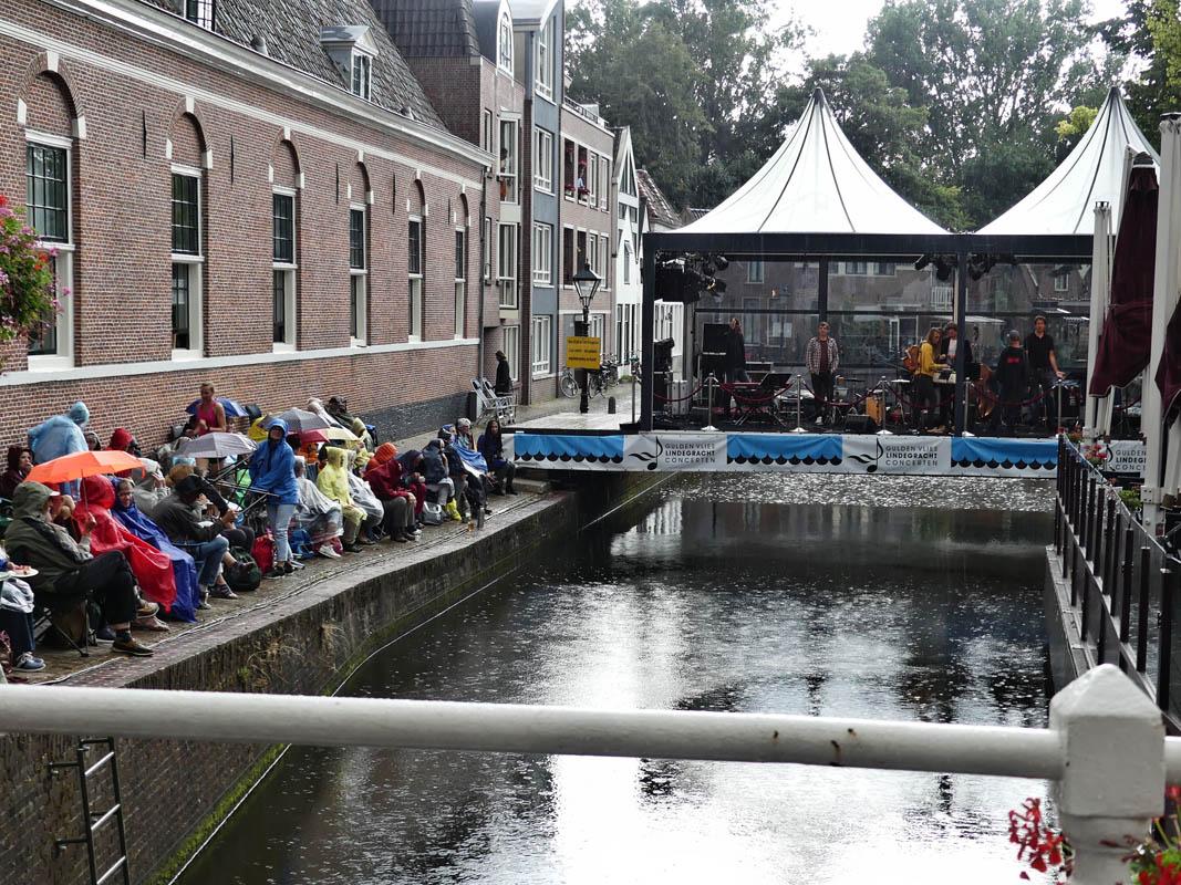 2018-08-14 Lindegrachtconcert Alkmaar. Zou de regen ..........? gelukkig niet